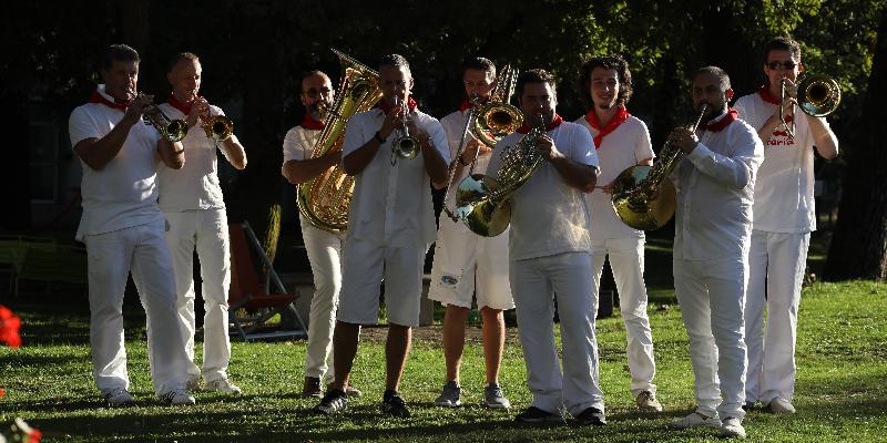 Brass Born Quintet, groupe de musique Film en représentation à Gironde - photo de couverture