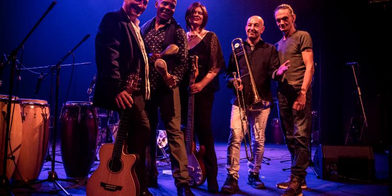 Conjunto Jaleo, groupe de musique Chanteur en représentation à Hérault - photo de couverture n° 1