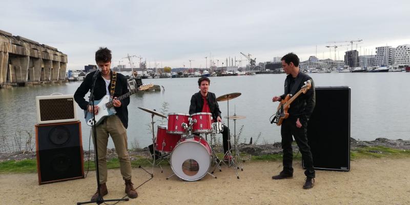 Joyful Mess, groupe de musique Rock en représentation à Gironde - photo de couverture n° 3