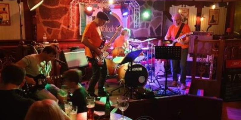 LES ROCKBLOCHON, groupe de musique Rock en représentation à Savoie - photo de couverture n° 1