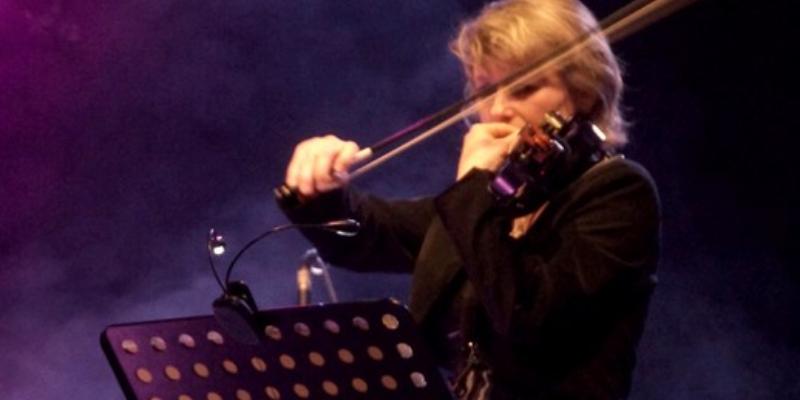 Laly Enscène, musicien Pop en représentation à Gironde - photo de couverture n° 2