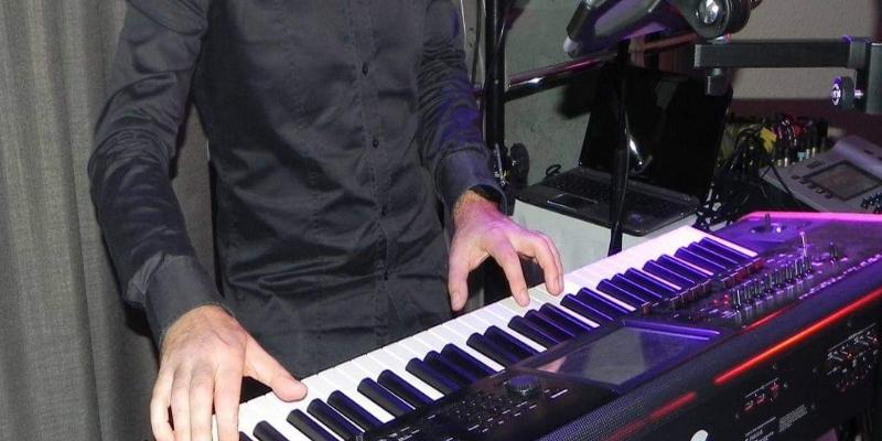 PianoBox, musicien Chanteur en représentation à Gironde - photo de couverture n° 2