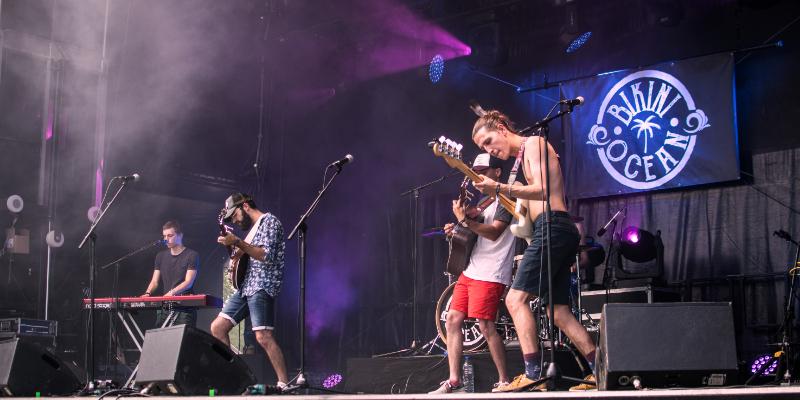 Bikini Ocean, groupe de musique Pop en représentation à Vendée - photo de couverture n° 1