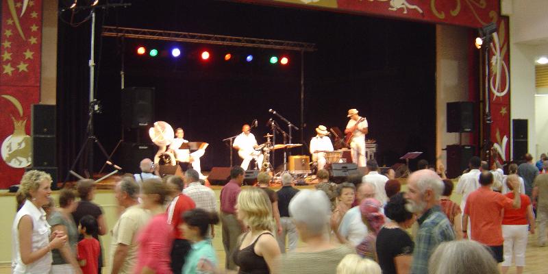 Caribop, groupe de musique Fanfare en représentation à Val de Marne - photo de couverture n° 3