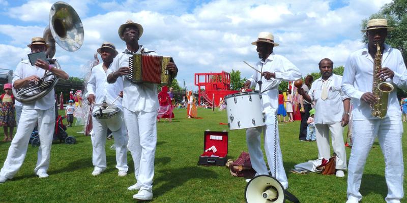 Caribop, groupe de musique Fanfare en représentation à Val de Marne - photo de couverture n° 1