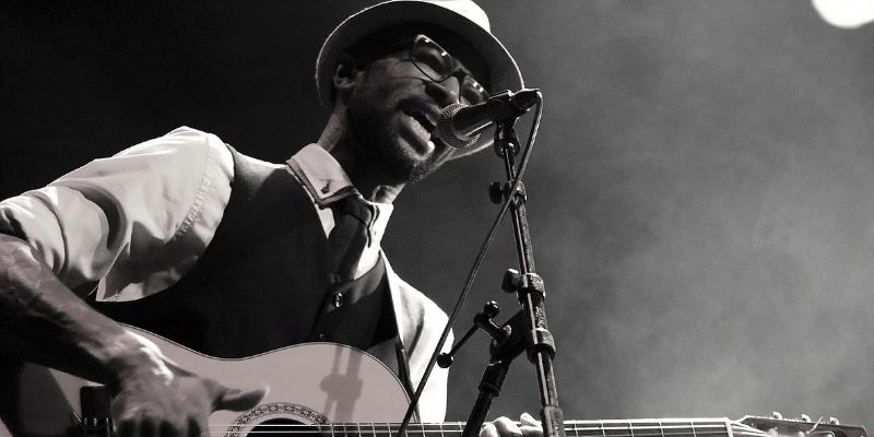 Sadya, musicien Acoustique en représentation à Loiret - photo de couverture n° 2