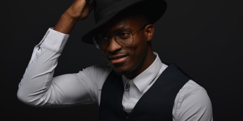 Desclo James, musicien Pop en représentation à Essone - photo de couverture