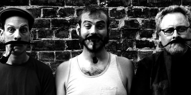 Les moustaches de Georges, groupe de musique Chanteur en représentation - photo de couverture n° 2