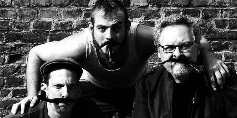 Les moustaches de Georges, groupe de musique Chanteur en représentation - photo de couverture n° 3