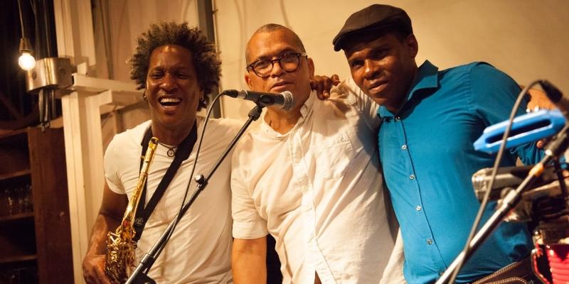 YANDI, groupe de musique Latino en représentation à Paris - photo de couverture