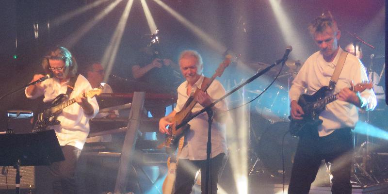 PLUGINS, groupe de musique Rock en représentation à Nord - photo de couverture n° 3