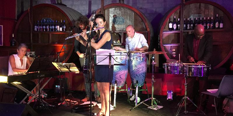 La vuelta, groupe de musique Latino en représentation à Bouches du Rhône - photo de couverture n° 1