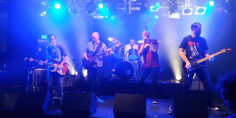 SuperGreen, groupe de musique Rock en représentation à Allier - photo de couverture