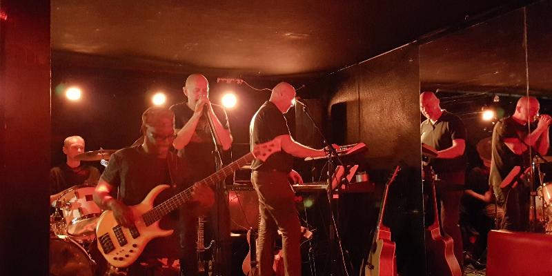 TETEDEZOF, groupe de musique Rock en représentation à Rhône - photo de couverture n° 2