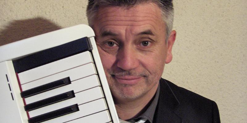 marc meyer, musicien Chanteur en représentation à Haute Savoie - photo de couverture
