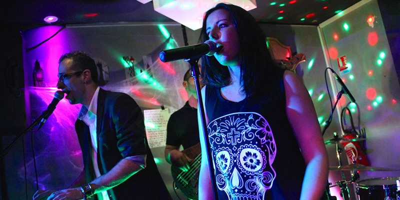 R et Rs, musicien Rock en représentation à Bouches du Rhône - photo de couverture n° 2