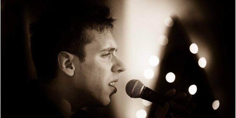 Guillaume Muller, groupe de musique Chanteur en représentation - photo de couverture n° 3