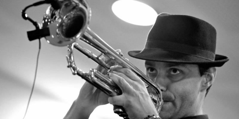 Luc Ramirez, groupe de musique Soul en représentation à Alpes Maritimes - photo de couverture n° 2