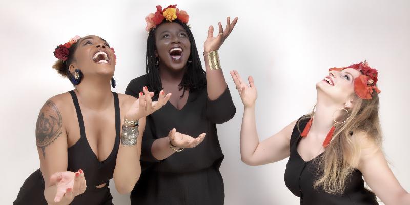 Hina, groupe de musique Soul en représentation à Paris - photo de couverture