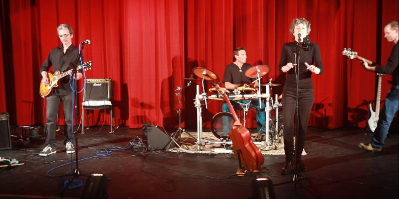 Feed Back, groupe de musique Rock en représentation à Isère - photo de couverture