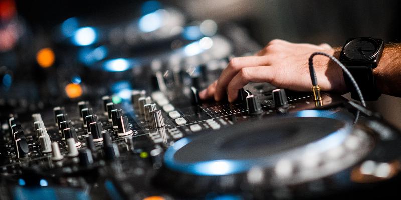 TAMY, DJ Dj en représentation à Vaucluse - photo de couverture n° 1