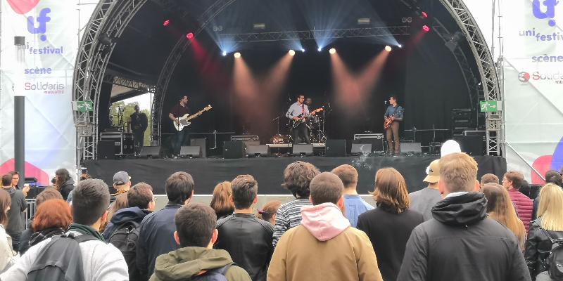 Dandelion & Burdock - Arctic Monkeys tribute band, groupe de musique Rock en représentation à Ardennes - photo de couverture n° 3