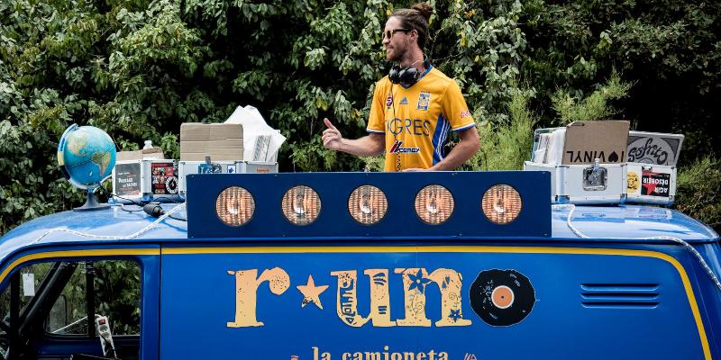 R★UNO   LA CAMIONETA, DJ Dj en représentation à Vendée - photo de couverture n° 3
