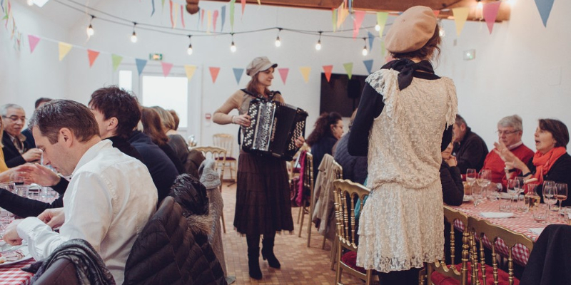 Véronique Rénier, musicien Chanteur en représentation à Essone - photo de couverture n° 2
