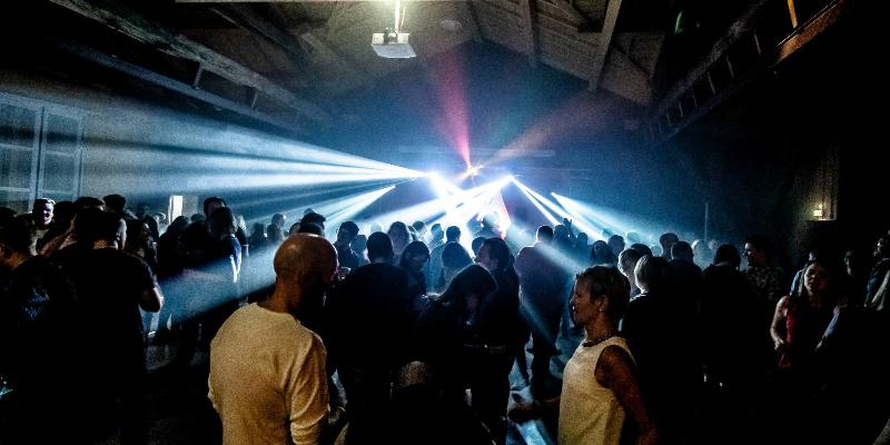 Equipe France Evenements, DJ Dj en représentation à Jura - photo de couverture n° 1
