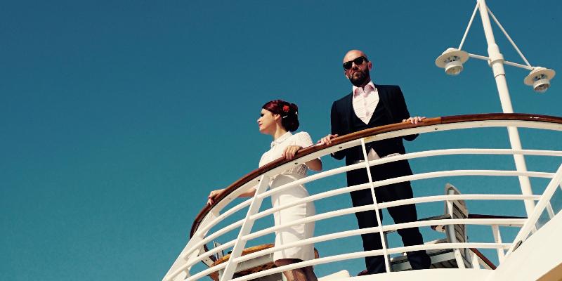 Mr & Mrs MARVEL, musicien Chanteur en représentation à Pyrénées Orientales - photo de couverture n° 1