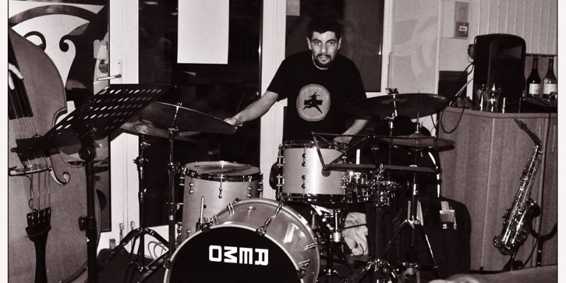 Jonathan Kahn, groupe de musique Jazz en représentation à Hauts de Seine - photo de couverture