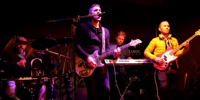 BACKSPIN, groupe de musique Chanteur en représentation à Rhône - photo de couverture