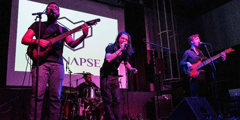 Synapse, groupe de musique Rock en représentation à Paris - photo de couverture n° 3