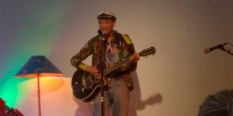Frédéric Dubois, musicien Chanteur en représentation à Paris - photo de couverture n° 3