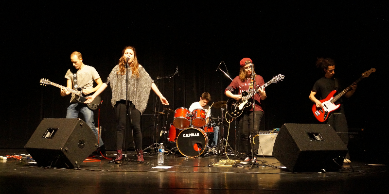 The Creaking Door, groupe de musique Rock en représentation - photo de couverture n° 1