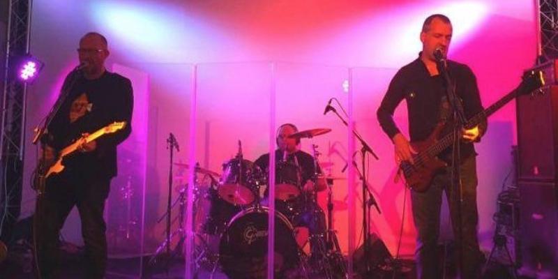 Bald as Kojak, groupe de musique Rock en représentation - photo de couverture n° 3