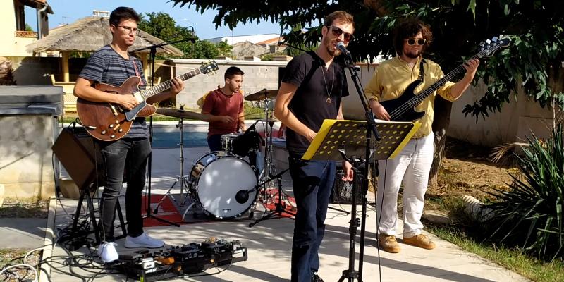 Karaoke Live Band, groupe de musique Généraliste en représentation à Pyrénées Orientales - photo de couverture n° 1