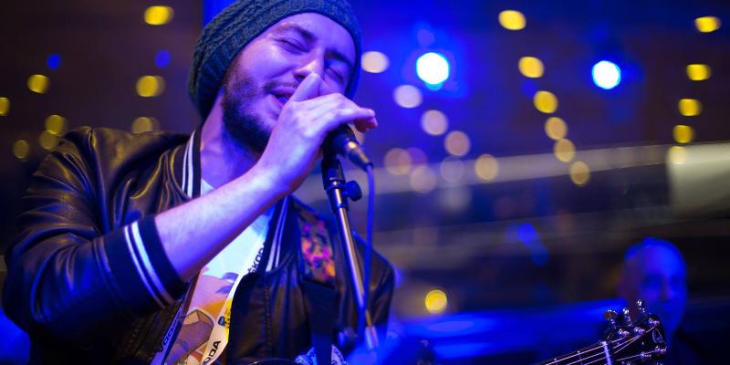 Daviday, musicien Chanteur en représentation à Gironde - photo de couverture