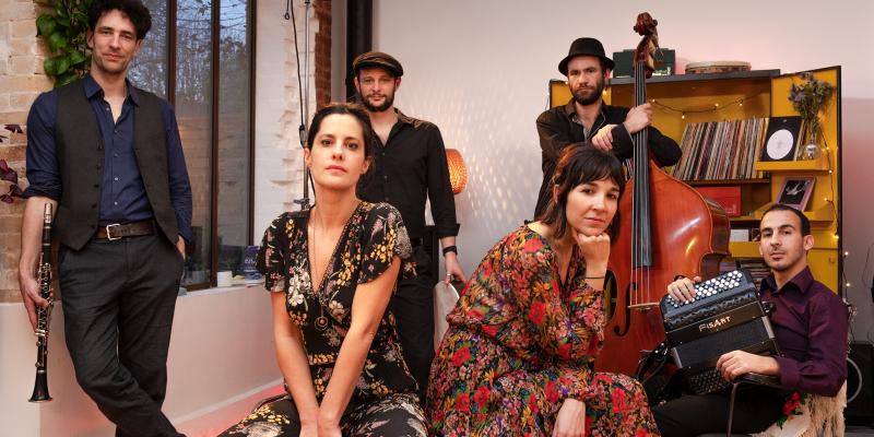 Luludji, groupe de musique Gypsy en représentation à Paris - photo de couverture