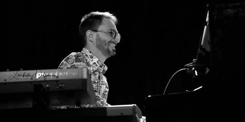 Joran, musicien Pianiste en représentation à Val de Marne - photo de couverture n° 2