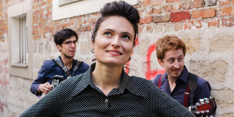 Carine Schertzer Trio, groupe de musique Chanteur en représentation à Seine Saint Denis - photo de couverture n° 1