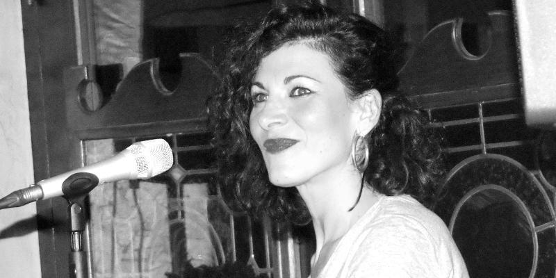 Sarah jane, musicien Chanteur en représentation à Rhône - photo de couverture n° 3