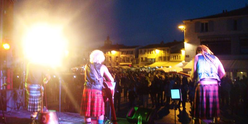 les Cariboux du Poitou, groupe de musique Rock en représentation à Vienne - photo de couverture n° 2