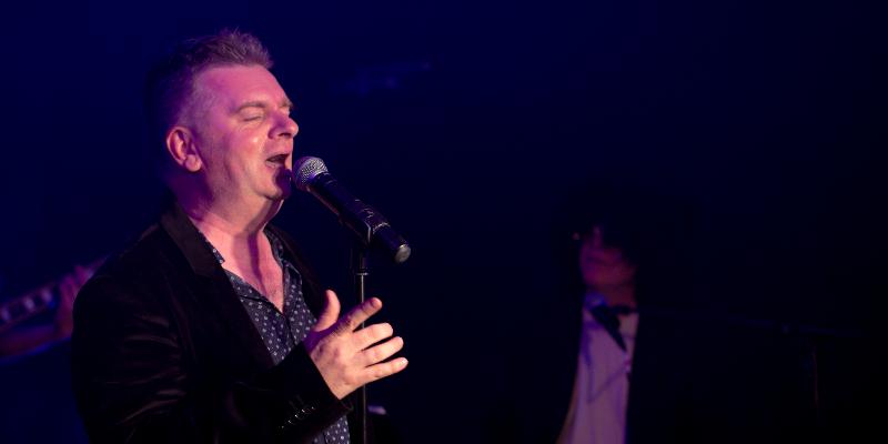 Christophe RAVET, groupe de musique Chanteur en représentation à Vienne - photo de couverture n° 1