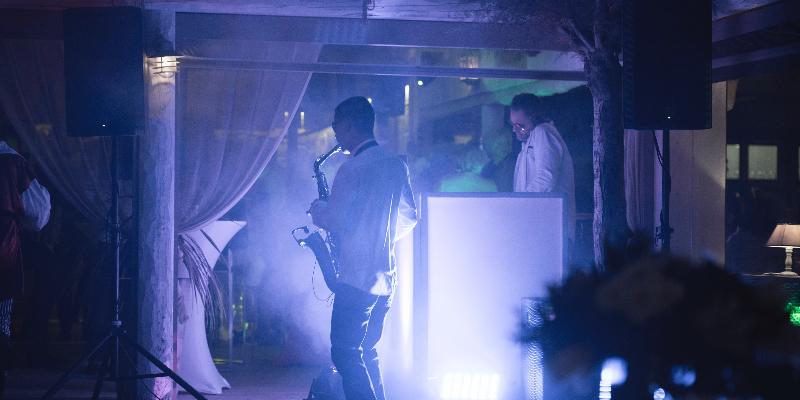 Kony MD Niko, DJ Dj en représentation à Var - photo de couverture n° 3