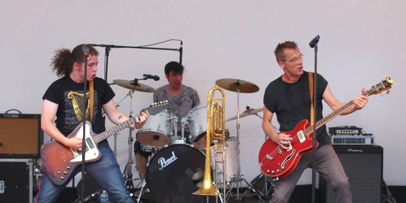 Kropol & ses Amis, groupe de musique Rock en représentation - photo de couverture n° 2