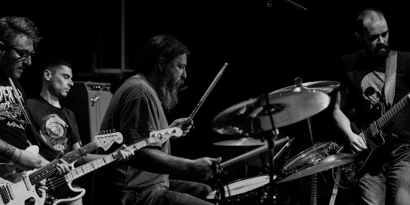 BLOODY WIPER, groupe de musique Rock en représentation à Yvelines - photo de couverture