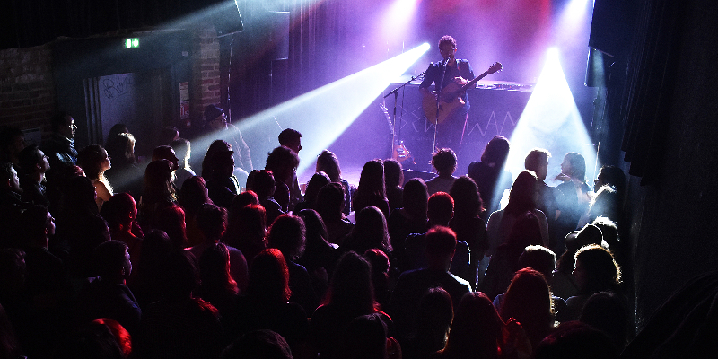ZYES, musicien Rock en représentation à Somme - photo de couverture n° 1