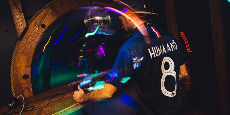 Dj Humaanö, DJ Dj en représentation à Paris - photo de couverture n° 3