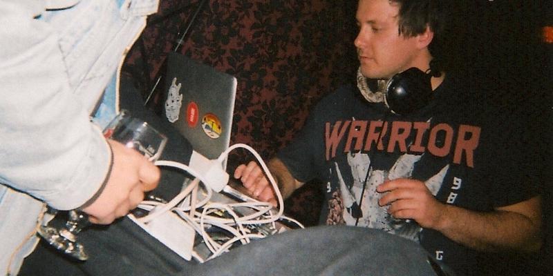 GTH, DJ Dj en représentation - photo de couverture n° 3